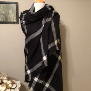 Old Navy Blanket Scarf NWT